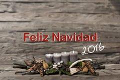 Decorazione di Buon Natale che brucia l'inglese grigio 2016 del messaggio di testo della candela Immagini Stock Libere da Diritti