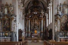 decorazione di interni dell'altare della chiesa nel porcile di barocco e di rinascita Immagini Stock