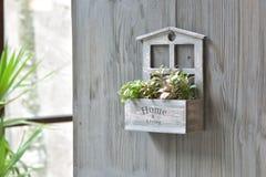 Decorazione di legno interna della Camera con il supporto del fiore Fotografia Stock Libera da Diritti