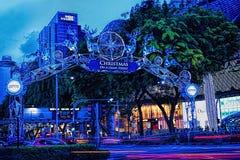 Decorazione di natale alla strada del frutteto di Singapore Immagini Stock