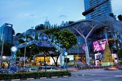 Decorazione di natale alla strada del frutteto di Singapore Immagine Stock