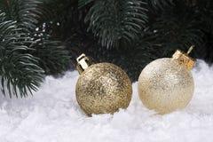 Decorazione di Natale con gli snowlakes e le palle di Natale Fotografie Stock