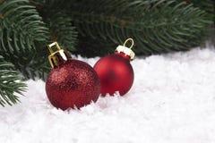 Decorazione di Natale con gli snowlakes e le palle di Natale Fotografia Stock Libera da Diritti