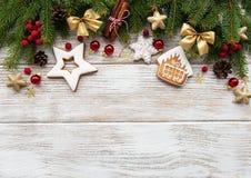 Decorazione di Natale con i biscotti immagini stock libere da diritti