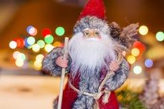 Decorazione di natale con il Babbo Natale Fotografie Stock Libere da Diritti
