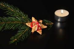 Decorazione di Natale con il ramoscello dell'abete rosso Fotografia Stock