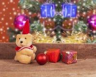 Decorazione di Natale con l'orsacchiotto Immagini Stock Libere da Diritti