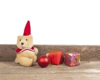 Decorazione di Natale con l'orso dei giocattoli Fotografie Stock Libere da Diritti