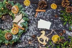 Decorazione di Natale con la carta di carta Immagini Stock