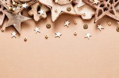 Decorazione di Natale con le stelle di legno Fotografie Stock Libere da Diritti