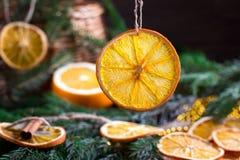 Decorazione di Natale, fetta arancio, cannella immagine stock libera da diritti