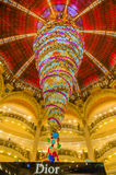 Decorazione di Natale in Galeries Lafayette, Parigi Immagine Stock Libera da Diritti