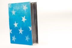 Decorazione di natale Libro Le stelle sulla copertura Immagini Stock Libere da Diritti