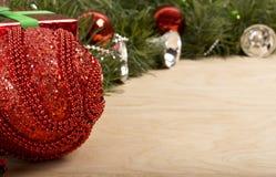 Decorazione di Natale nel fondo di legno Immagine Stock Libera da Diritti