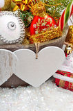 Decorazione di Natale, ramoscello del pino, carta per testo, bagattella di natale Fotografia Stock Libera da Diritti