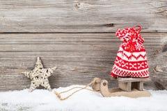 Decorazione di natale sopra neve Fotografie Stock Libere da Diritti