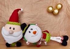 Decorazione di Natale sopra un fondo della carta kraft fotografie stock
