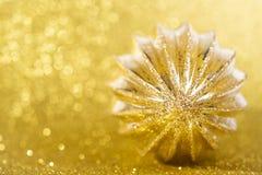 Decorazione di Natale su fondo giallo Immagine Stock Libera da Diritti