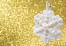 Decorazione di Natale su fondo giallo Immagini Stock
