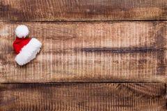 Decorazione di Natale sui vecchi precedenti di legno d'annata immagine stock