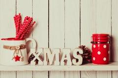 Decorazione di Natale sullo scaffale Immagine Stock Libera da Diritti