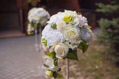 Decorazione di nozze dei fiori fotografie stock
