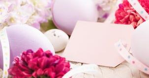 Decorazione di Pasqua con l'etichetta Immagine Stock
