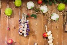 Decorazione di verdure della parete al mercato o all'azienda agricola Immagine Stock Libera da Diritti