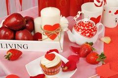 Decorazione dolce del biglietto di S. Valentino fotografie stock