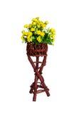 Decorazione e raccolta dei fiori artificiali del tessuto in di legno Fotografie Stock Libere da Diritti