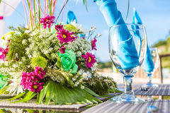 Decorazione e stoviglie della tavola di nozze Immagini Stock Libere da Diritti