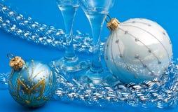 Decorazione e vetri di Natale Immagine Stock