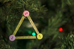 Decorazione fatta a mano di Natale sull'albero Immagine Stock