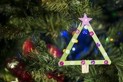 Decorazione fatta a mano di Natale sull'albero Fotografia Stock Libera da Diritti