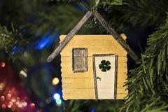 Decorazione fatta a mano di Natale sull'albero Immagine Stock Libera da Diritti