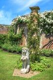 Decorazione nel roseto del castello di Hever Fotografie Stock