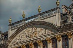Decorazione ricca su monumento storico a Bruxelles immagini stock