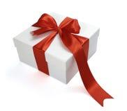 Decorazione rossa del regalo del presente della casella del nastro Fotografia Stock Libera da Diritti