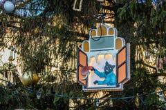 Decorazione su un albero di Natale al quadrato di Città Vecchia, Praga, repubblica Ceca Immagine Stock
