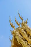 Decorazione sul tetto superiore della chiesa di Wat Rong Khun Fotografia Stock