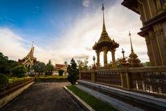 Decorazione tailandese di stile in tempio del chalong, Phuket, Tailandia fotografia stock