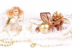 Decorazioni, angelo e candela di Natale fotografia stock libera da diritti
