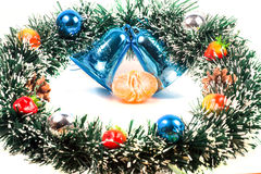 Decorazioni del nuovo anno, di Natale e fette del mandarino Immagini Stock