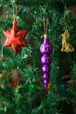 Decorazioni dell'albero di Natale. Fine in su. Immagini Stock Libere da Diritti