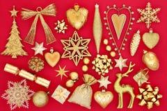 Decorazioni della bagattella di Natale dell'oro Fotografia Stock Libera da Diritti
