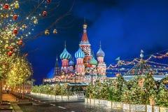 Decorazioni della cattedrale e del Natale del basilico della st immagini stock