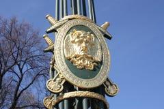 decorazioni della lanterna sul ponte fotografie stock