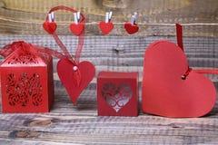 Decorazioni di carta del biglietto di S. Valentino Fotografia Stock