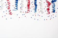 Decorazioni di festa di U.S.A. su un fondo bianco Fotografia Stock Libera da Diritti