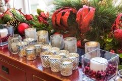 Decorazioni di Natale con le candele Fotografia Stock Libera da Diritti